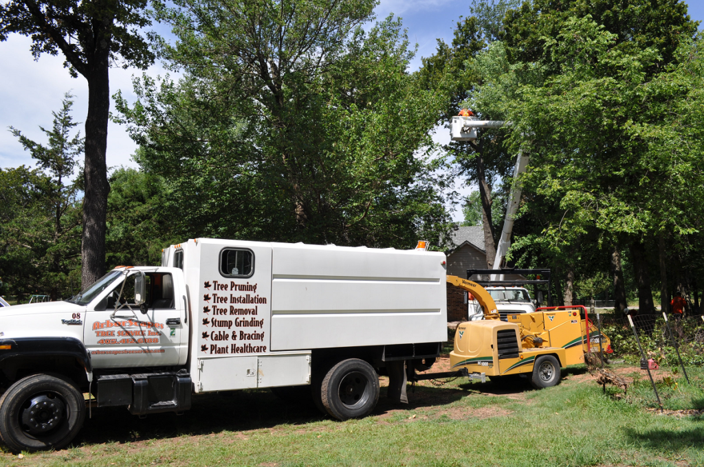 Arborscapes Tree Service Equipment at Work